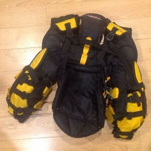 Goalie chest protector  - Junior L, Reebok 5k (Koho) London Ontario image 3