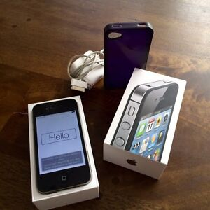 iPhone 4S mint condition with box and charger/ ready for set up!