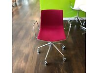 White Back Arper Canteen Chairs On Wheels, Red