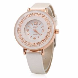 OLJ B1899 Fashion Female Quartz Watch with Polygonal Mirror