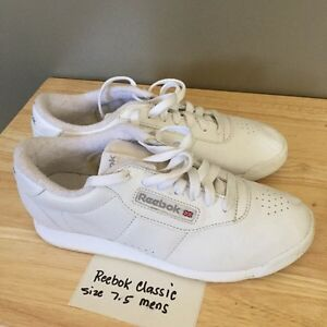 Reebok classic white sneakers size 7.5 mens