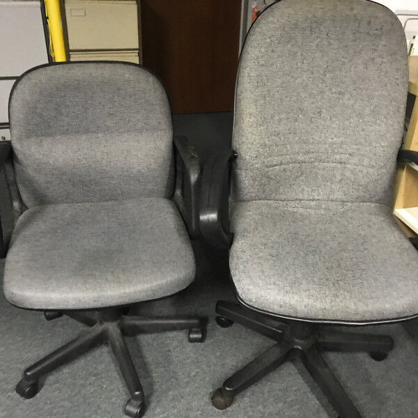 Officé chairs in grey fabric. Medium back and high back