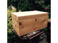 Pine lidded chest box for upholstery