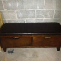 Bench with leather top and drawers