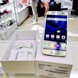 AS NEW GALAXY S7 32GB GOLD/SILVER YRS WARRANTY