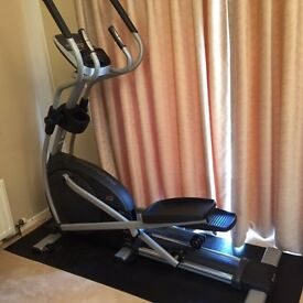 PRO-FORM 605 ZLE Cross Trainer