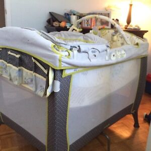 Playpen/stroller/high chair/coach diaper bag