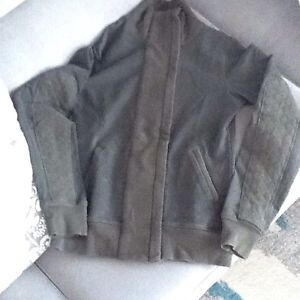 Almost new size 6 lululemon sweater