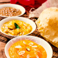 ❗HALWA POORI PLATE ❗ MOUTH WATERING MEAL