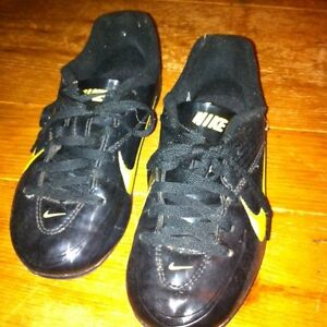 Soccer shoes. Nike child size 13 London Ontario image 3
