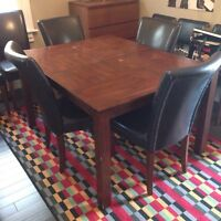 Dining room set - table with 6 chairs