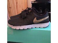 Nike SB Trainerendor black size uk 8