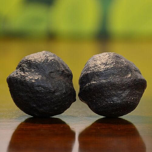 Beautiful Pair of Small Moqui Marbles (Shaman Stones) from Utah 90 grams
