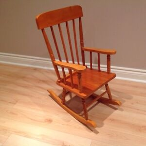 Kid rocking chair/chaise bercante pour enfants
