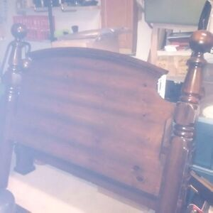 Pine queen size 4 post bed with frame