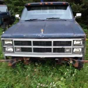 HOOD FOR 86 Chevy truck with bow tie emblem