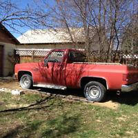 1987 Chevy  shortbox  Truck - Hot Rodders Dream!