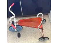 Toddler trike, front wheel pedals.