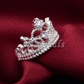 Gorgeous crown ring