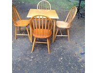 Small table x4 chairs