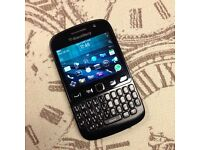 Blackberry 9720 Touchscreen Smartphone Boxed Unlocked to all Networks Fully Working Can Deliver