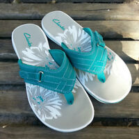 NEW Womens Size 7 - Teal CLARKS Sandals