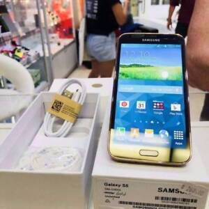 BRAND NEW SAMSUNG GALAXY S5 16GB GOLD BOX TAX INVOICE Surfers Paradise Gold Coast City Preview