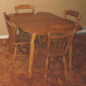 Ensemble Salle a Diner/Cuisine Bois Kitchen/Dining Room Set Wood West Island Greater Montréal image 2