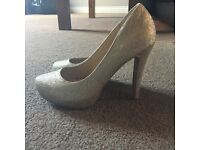 Gold Sparkle Heels - Size 7