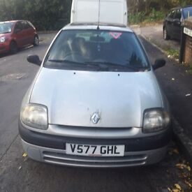 Renault Clio 1.2 Petrol - For spares or repairs.