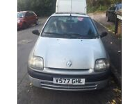 Renault Clio 1.2 Petrol - For spares or repairs.