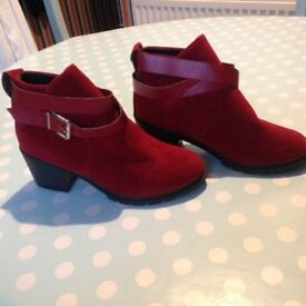 LADIES RED SUADE BOOTS BRAND NEW ONLY £9