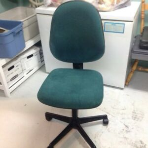 Office chair and carpet pad