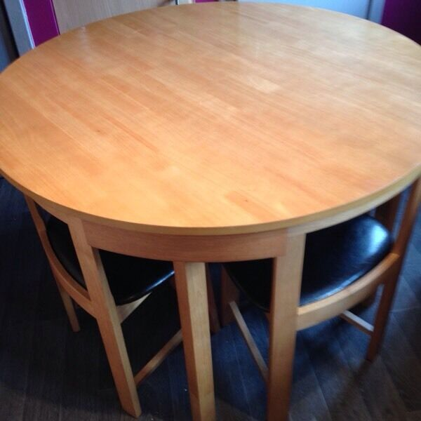 Solid oak wood table and 4 chairs in Camelon Falkirk  : 86 from www.gumtree.com size 600 x 600 jpeg 36kB