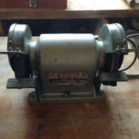 Bench Grinder Makita