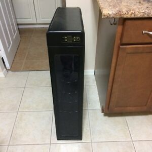 Wine cooler Slim upright design Black 7 bottle