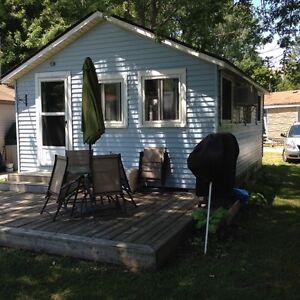Cottage on Lake Erie Windsor Region Ontario image 3