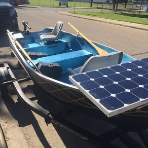 GREAT SOLAR POWERED BOAT