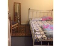 Nice dbl room - mother & child only