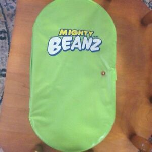 Mighty Beanz  27 pieces in case .