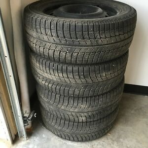 Michelin X-ice Xi3 235/45/17
