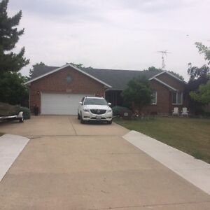 Beautiful Ranch on one acre on St Clair Parkway