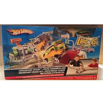 Hot Wheels Crossroad Crash Crashers L8975 Neu Ovp!
