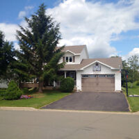Beautiful 3+1 Bdrm Home in Shediac Rd area - Ideal for families!