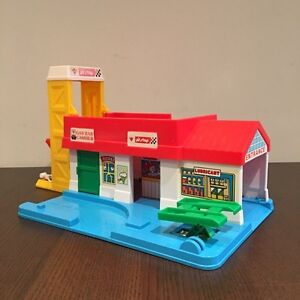 1988 Spectra Toys Canadian Tire Pit Stop Garage
