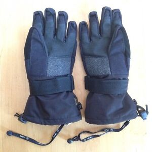 Snowboarding gloves with wrist protectors, youth Small