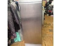 £60 SERVIS 5 FOOT TALL FROST FREE LARDER FRIDGE