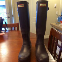 Size 10 Purple Hunter Boots For Sale