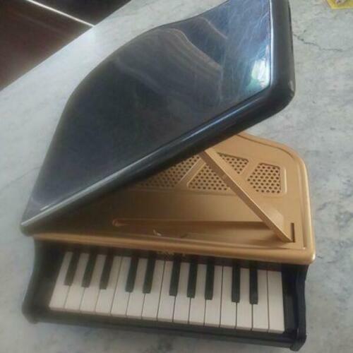 KAWAI Mini Grand Piano 1106