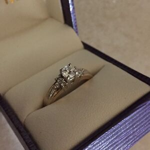 STUNNING 14k Two Tone .50 TW Diamond Ring Belleville Belleville Area image 7